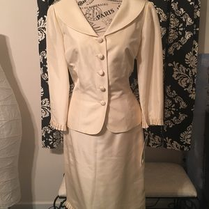 Maggy London Dresses - 🆕 NWT! MOB Maggy London 100% Silk Champagne Suit